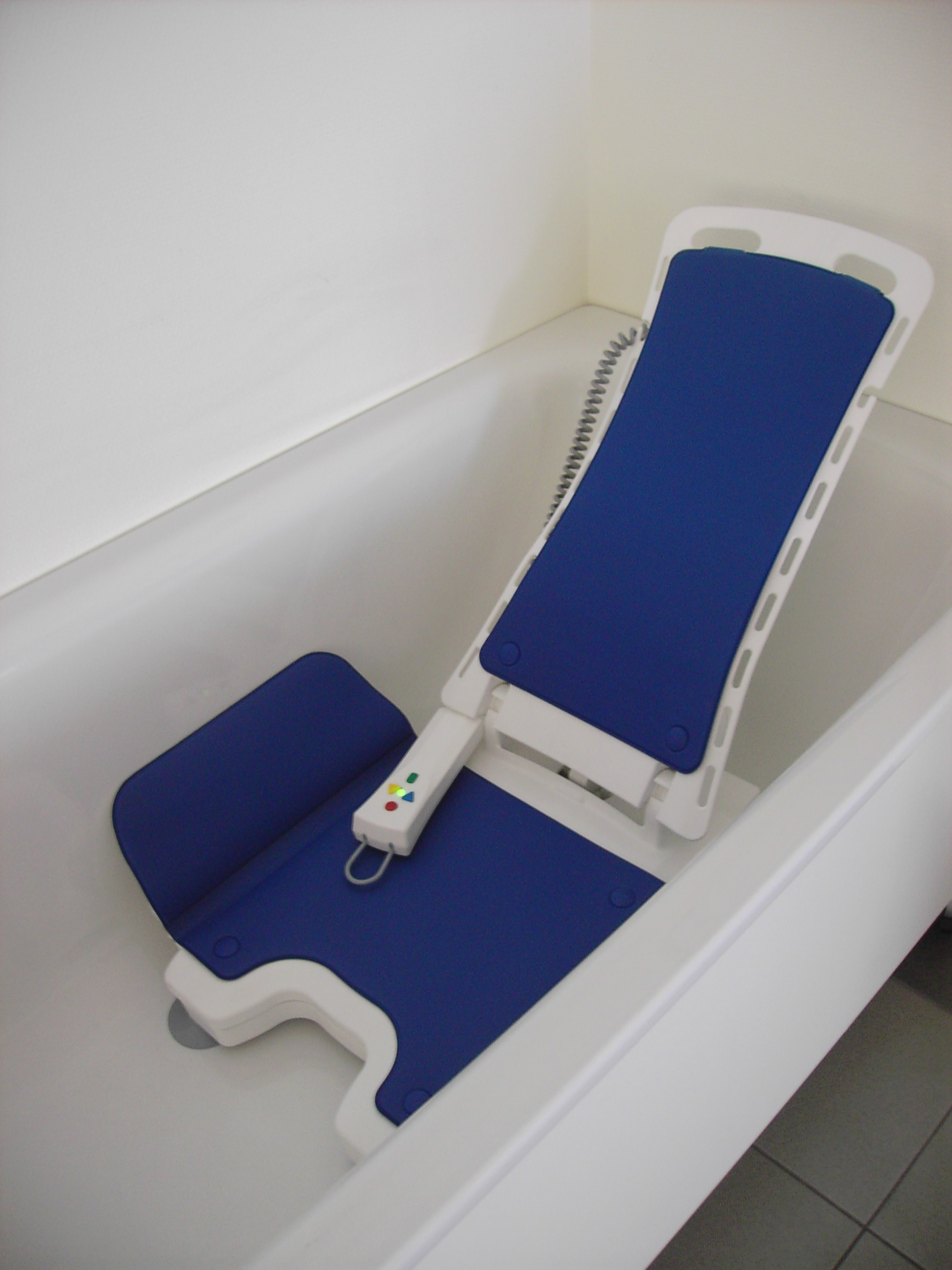 Bellavita Classic White Bath Lift | Mobility Solutions