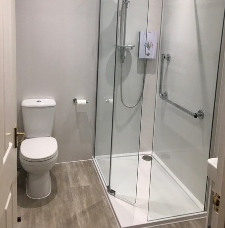 accessible bathrooms, katrine range