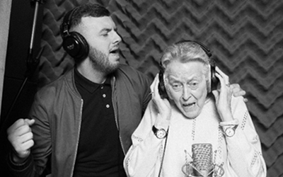 Margaret and Jamie sing bw 1